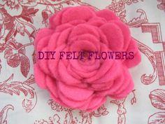 Sweeeeeeetnesss to the max! Cute Crafts, Crafts To Do, Felt Crafts, Fabric Crafts, Fabric Decor, Felt Flowers, Diy Flowers, Fabric Flowers, Tissue Flowers
