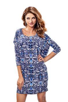 Sukienka koktajlowa w niebieskiej kolorystyce