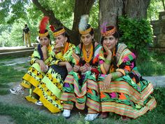 Look at these splendid colors of Kalash. 5 lovely images of beautiful Kalash girls