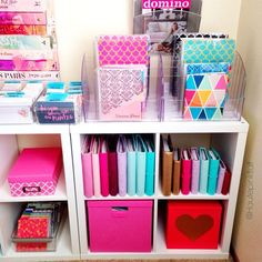 Pin by keren lopez on school skladování, výzdoba pokoje, plánovače. Organisation Hacks, Planner Organization, Office Organization, Organizing, Organized Planner, Stationary Organization, Diy Rangement, Ideas Para Organizar, Craft Storage