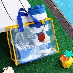 Women PVC Transparent Capacity Handbag Beach Bag Travel Swimming Bags is designer, see other popular bags on NewChic. Travel Handbags, Travel Bags, Best Beach Bag, Summer Beach, Summer Fun, Transparent Bag, Popular Bags, Beach Tote Bags, Sierra Leone