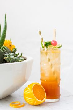 I wanted to sneak in one last ode to the warm, sunny days with this Esmeralda Fizz cocktail recipe that Robin from Double Trouble made for us!