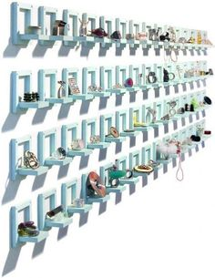 Jewelry Visual Merchandising Ideas Techniques Zen - Jewelry Visual Merchandising Ideas Techniques Theres Basically An Infinity Of Designs You Can Create By Combining Your Merchandise With Specialty Jewelry Display Solutions Creative J Jewelry Store Displays, Ring Displays, Craft Show Displays, Shop Displays, Jewelry Stand, Jewelry Shop, Jewelry Art, Jewelry Booth, Gold Jewellery