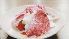 Raspberry, Vanilla Classic Pavlova Recipe, Raspberry Meringue, Chocolate Pavlova, Masterchef Recipes, Delicious Desserts, Dessert Recipes, Freeze Dried Raspberries, Toasted Almonds, Master Chef