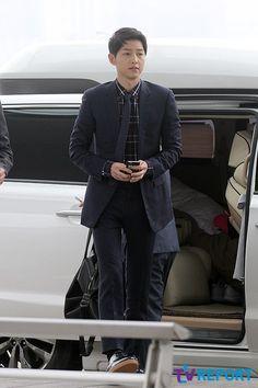 Viajando por el mundo POP - Espacio Kpop : Se revelan fotos del actual look de Song Joong Ki - El chico mas lindo del mundo