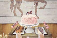 Tarta poni rosa