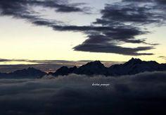 #pics #pic #instadaily #instagran #instagood #alba#aosta#valdaosta #italia#diego#charbonnier #aosta #Pollein #alba#luce#light #nuvole#cielo#sky#sole#sun #sunny#clouds#2075m #ottobre#october #autunno #autumn #17ottobre2015 #instagram #instaitaly #mongolfiera #mongolfiere.it #sunday #pictures #pic#instadaily #pics#mountains #montagna