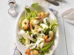 Edel und trotzdem leicht zuzubereiten. Garnelenschwänze mit Spargelsalat - smarter - Zeit: 20 Min. | eatsmarter.de
