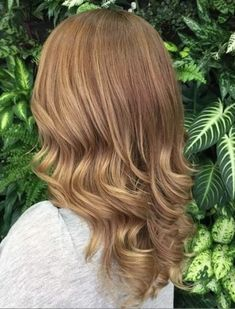 15 soft ombre hairstyles. Ideas for soft ombre. Hottest ombre hair colors. Sweet and stylish soft ombre hair. Hairstyle trends for soft ombre hair.