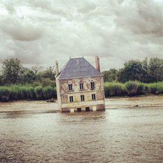 Jean-Luc Courcoult's 'La Maison dans la Loire'.