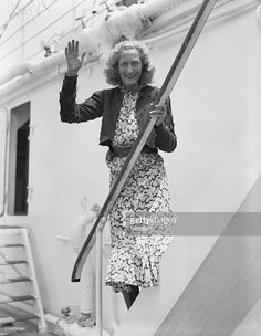 Adventurous pilot Beryl Markham arrives in New York City on the S. West With The Night, Beryl Markham, Fashion 2018, Womens Fashion, Vintage Air, Out Of Africa, High Society, Strong Women, New York City