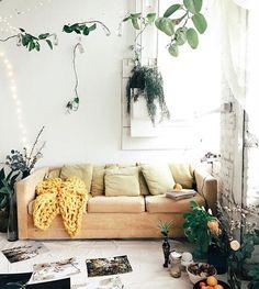 Super cozy + boho #hesbystyle via @tappancollective