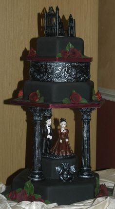 Gothic wedding cake #gothic #wedding #bridal