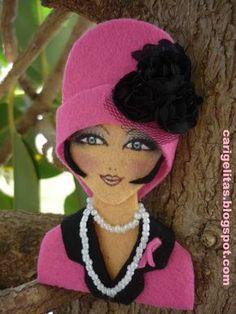 Crochet ideas that you'll love Felt Crafts Diy, Felt Diy, Doll Crafts, Diy Doll, Cute Crafts, Felt Dolls, Paper Dolls, Felt Bookmark, Barrettes