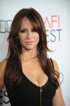 Jennifer Love Hewitt Hair- long, layered cut and warm brown color