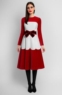 Combined long-sleeve white and red velvet dress. Detachable belt with a designer handmade bow. Hidden back zip closure. Without pockets. On the photo: model is wearing a size S and is 176 cm. Quirky Fashion, Retro Fashion, Fashion Looks, Vintage Fashion, Dresses For Teens, Simple Dresses, Girls Dresses, Frocks And Gowns, Shorts Longs