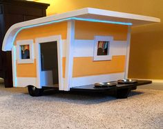Canine Camper Doghouse-Small by BigCreekMercantile on Etsy Poodles, Trailer Casa, Restaurant Mexicano, Pugs, Chihuahuas, Dog Training Classes, Decorative Bird Houses, Niches, Secret Compartment