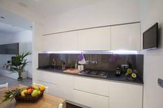 Appartamento Privato Rapallo: Cucina % in stile % {style} di {professional_name}