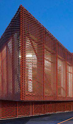 ZAP' ADOS SKATE PARK BY BANG ARCHITECTES (Hufton and Crow, Photography) expanded metal facade