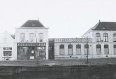 Zuidhaven 97 de slagerij van de gebroeders Van Loon, 99 de dames Braber en 101 het hotel met café De Korenbeurs