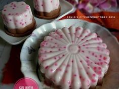 Resep Kue Jentik/Kue Cantik Manis Lapis Cokelat favorit. Ngeliat postingan mba sukma jdi ngiler pengen bnget nyobain kue cantik atau bisa juga di sebut kue Jentik, kliatan enak bnget ,udh lama bnget jg gk makan makanan dri sagu mutiara hihihi, ngeliat kue yg stu ini jdi jatuh Cinta untuk nyobain sdri xixixixixi