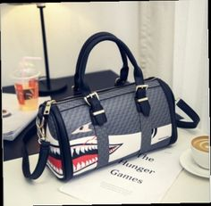 44.80$  Watch now - http://alij0y.worldwells.pw/go.php?t=32762188764 - New arrive whale prints handbag vintage big casual tote women bag leather boston bags large capacity travel bags kabelky bolsa
