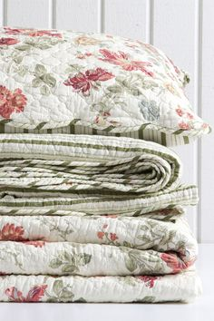 Buy Bedding Online at EziBuy | Bed linen includes sheet sets, duvet covers, blankets, quilts - Amber Quilted Pillow Cover - EziBuy New Zealand