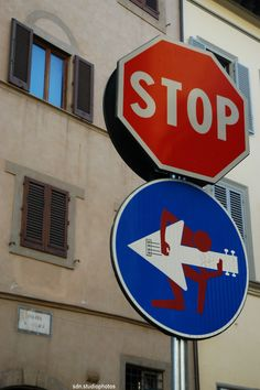 street art by Clet Abraham, Piazza San Felice, Firenze (Toscana, Italy)