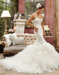 Hollywood Glamour Wedding dress Sophia Tolli  Y21363Bk