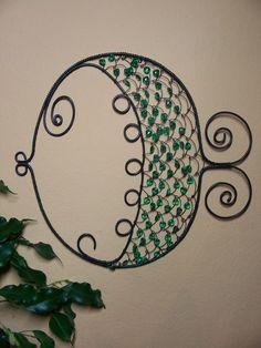 Potěšení z drátků. a nejenom z nich Copper Wire Art, Wire Art Sculpture, Underwater Theme, Wire Ornaments, Wire Jewelry Making, Wire Jewelry Designs, Wire Crafts, Beading Projects, Fish Art