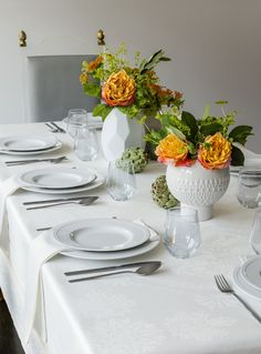 Elaborate, but subtle: Baressa is a classic damask table linen teamed with modern accents