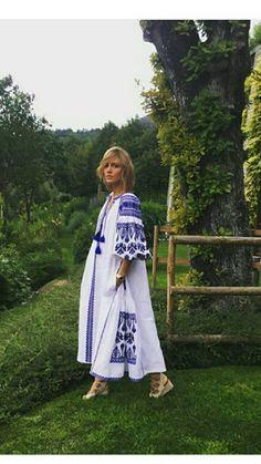 Ukrainian beauty folk fashion Vita Kin