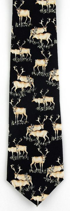 Mens 100/% Silk Green Into The Woods Nature Bears Deer Wilderness Animals Tie Necktie