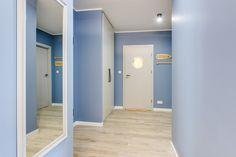 Wynajem apartmentów Gdańsk #apartamentygdansk #apartamentwynajemgdansk Bathroom Lighting, Mirror, Furniture, Home Decor, Bathroom Light Fittings, Bathroom Vanity Lighting, Decoration Home, Room Decor, Mirrors