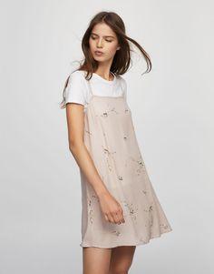 4056d0304bc4f Pull Bear - mujer - ropa - vestidos - vestido estampado atado espalda -  0-834