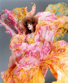 Fantastic bright colours! And so nice and flowy.. like a flower!