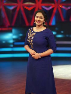 Anu Sithara, the beautiful Malayalam actress. Doesn't she resembles actress Parvathy? Here are 16 of the worlds best photos of Anu Sithara Salwar Neck Designs, Neck Designs For Suits, Kurta Designs Women, Churidhar Designs, Salwar Pattern, Indian Wedding Gowns, Kurti Embroidery Design, Hand Embroidery, Bridal Blouse Designs