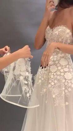Wedding Dresses For Older Women, Fancy Wedding Dresses, Simple Wedding Gowns, Alternative Wedding Dresses, Elegant Wedding Dress, Wedding Dress Styles, Bridal Dresses, Bridesmaid Dresses, African Fashion Dresses