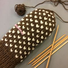 Diy Crochet And Knitting, Knitting Charts, Knitting Patterns, Knitting Projects, Opi, Mittens, Knitted Hats, Stuff To Do, Diy And Crafts
