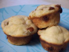 The Kitchen Notebook: Banana-Cinnamon Chip Mini Muffins Cinnamon Chips, Banana Cinnamon, Mini Muffins, Baked Goods, Oven, Breakfast, Recipes, Notebook, Food
