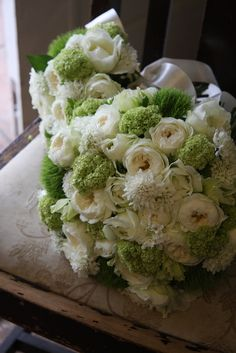 bride's and her daughter's bouquets