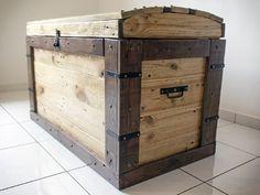 Skrzynia z palet/ Pallet trunk Pallet Trunk, Pallet Crates, Old Pallets, Pallet Chest, Pallet Wood, Pallet Furniture, Furniture Projects, Furniture Plans, Country Furniture