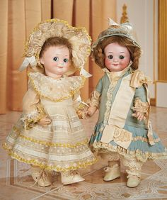 View Catalog Item - Theriault's Antique Doll  Auctions  . German Bisque Googly,323,by Marseille in Rare Size