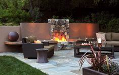 Terrassenboden mit Steinplatten verlegen - dekorativer Außenkamin