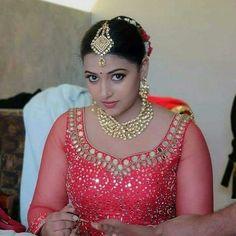 Amrapali dubey Beautiful Bollywood Actress, Most Beautiful Indian Actress, Beautiful Actresses, Beautiful Girl Image, Beautiful Gorgeous, Beautiful Women, Beautiful Saree, Actress Bikini Images, Actress Photos