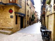 Laguardia, La Rioja Spain So quaint Rioja Spain, Spain Images, How To Feel Beautiful, Beautiful Places, Majorca, Places To Travel, Places Ive Been, Madrid, Barcelona