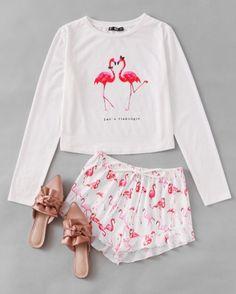 Flamingo Print Tee And Ruffle Shorts Pajama Set -US$20.99 -www.anabellas.co #anabellas #conjunto #mangalarga #estampado #cuelloredondo #conjuntodepijama