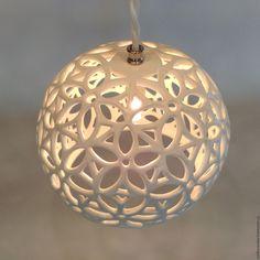 Керамический светильник «Большой резной шар» - керамический плафон, люстры потолочные