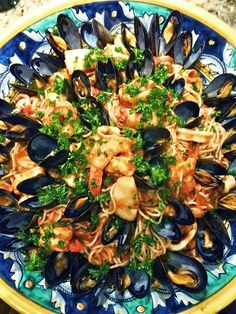 Scrumpdillyicious: Spaghettini Marinara with Mussels, Scallops