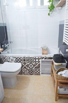 Clawfoot Bathtub, Home Renovation, Bath Mat, Bathroom, House, Home Decor, Rooms, Painted Bathrooms, Powder Room